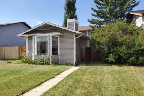 House for sale at 52 Fallswater Rd NE Calgary Alberta - MLS: C4303370