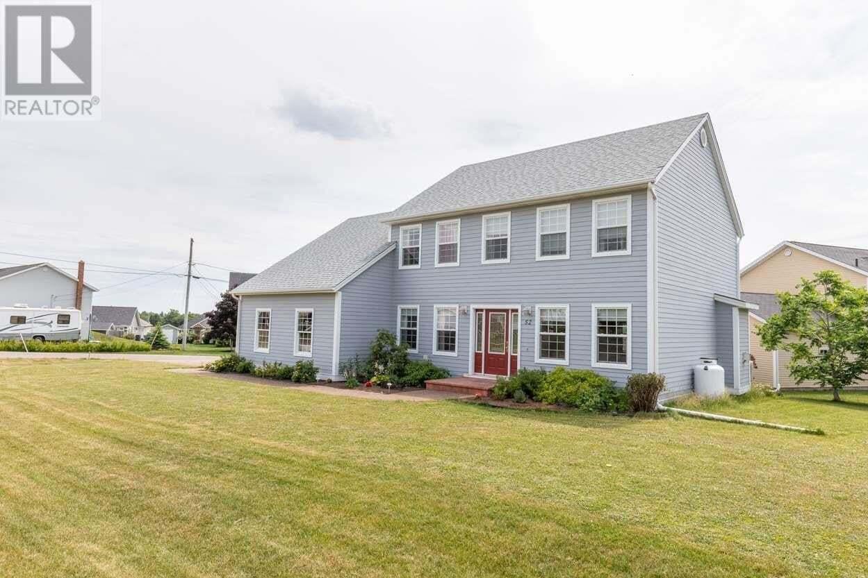 House for sale at 52 Fox Run Dr Charlottetown Prince Edward Island - MLS: 202012725