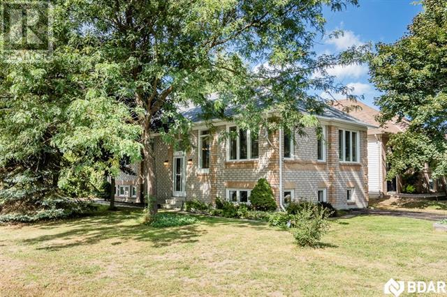Sold: 52 Harbour Crescent, Wasaga Beach, ON