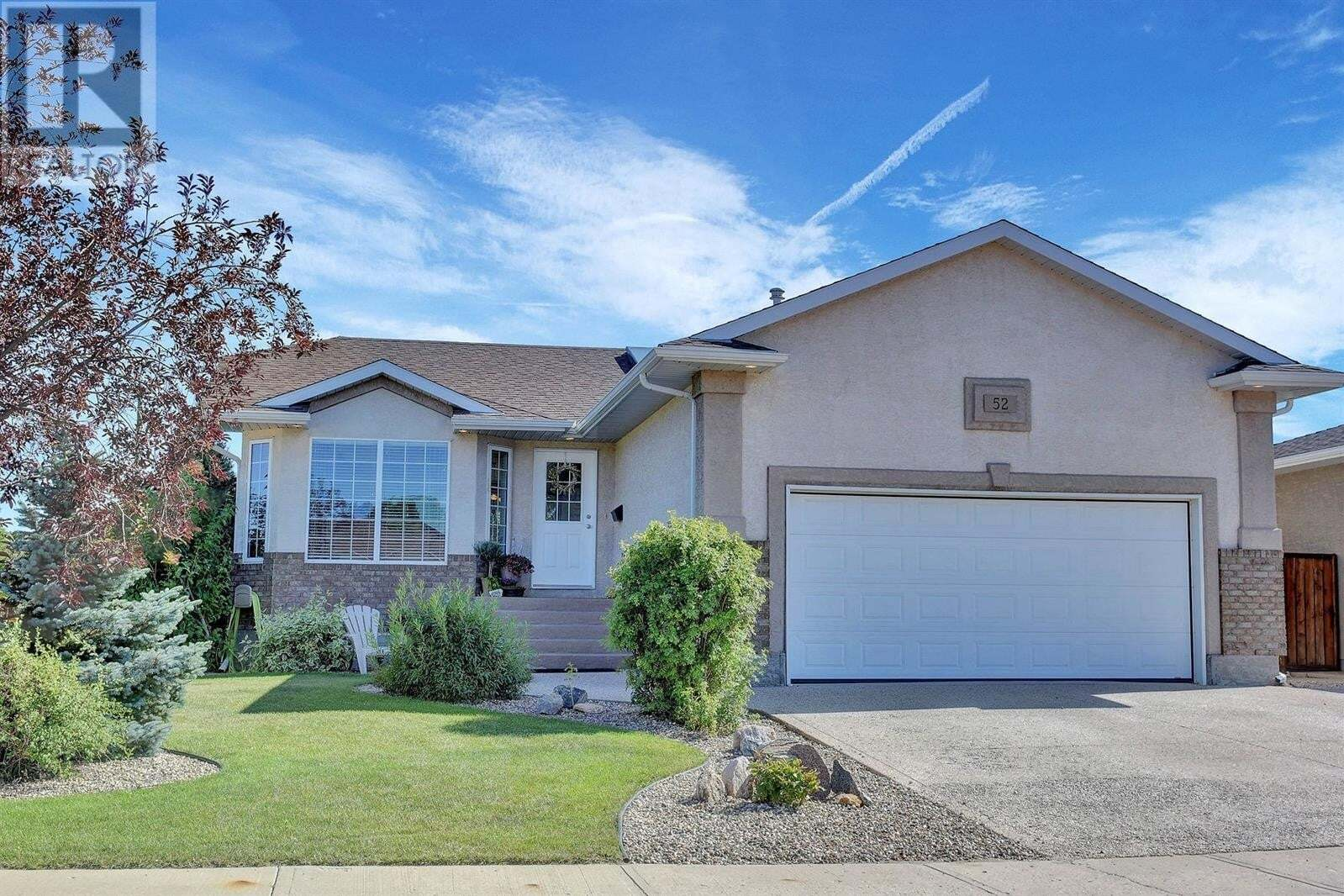 House for sale at 52 Kalmia Cres Moose Jaw Saskatchewan - MLS: SK820819