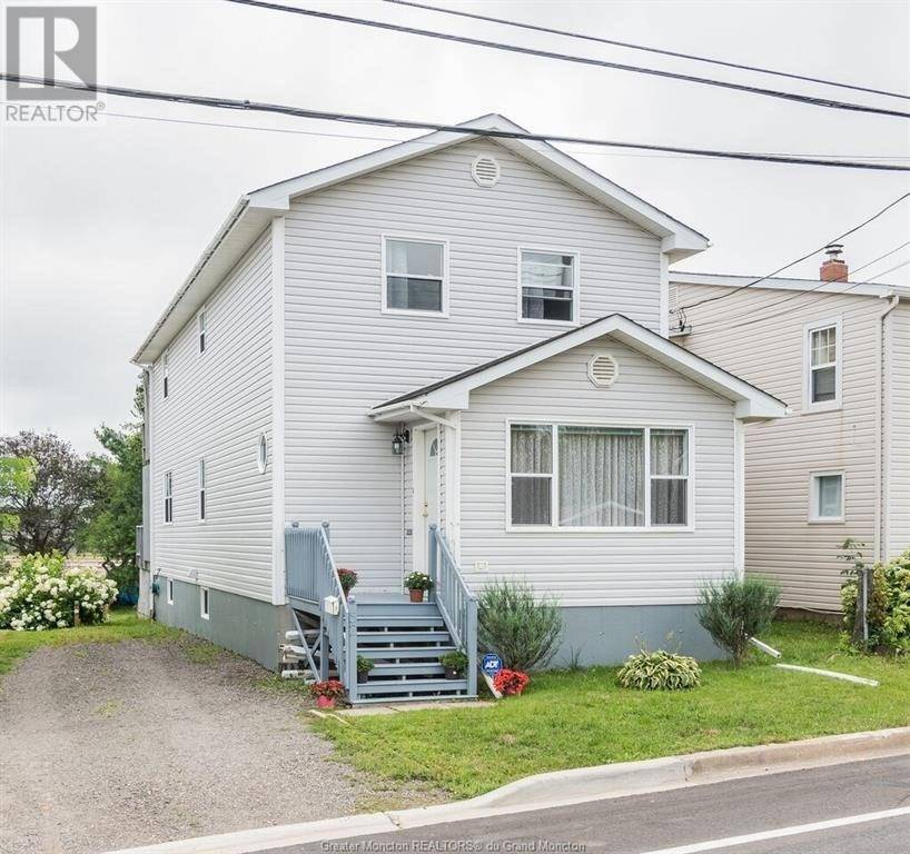 House for sale at 52 Salisbury Rd Moncton New Brunswick - MLS: M127032