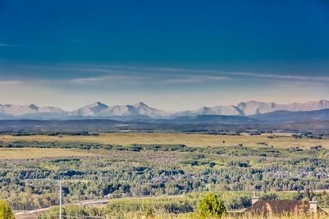 Home for sale at 52 Slopes Gr Southwest Calgary Alberta - MLS: C4266296