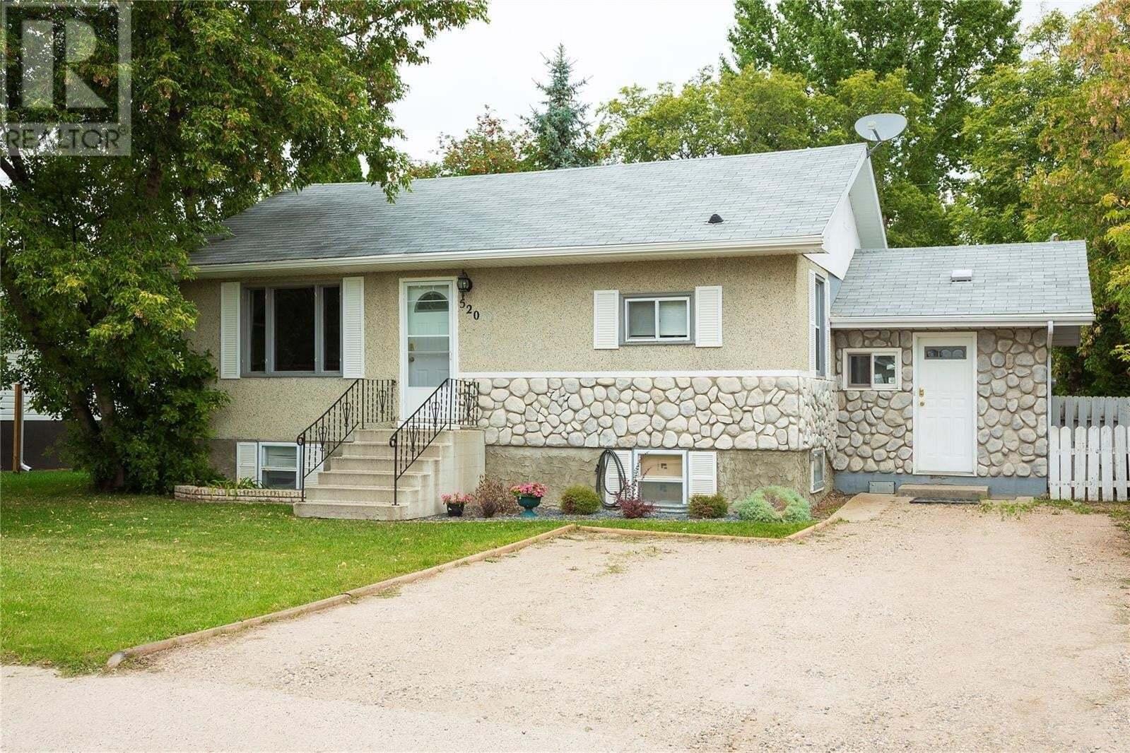 House for sale at 520 26th St E Prince Albert Saskatchewan - MLS: SK827474