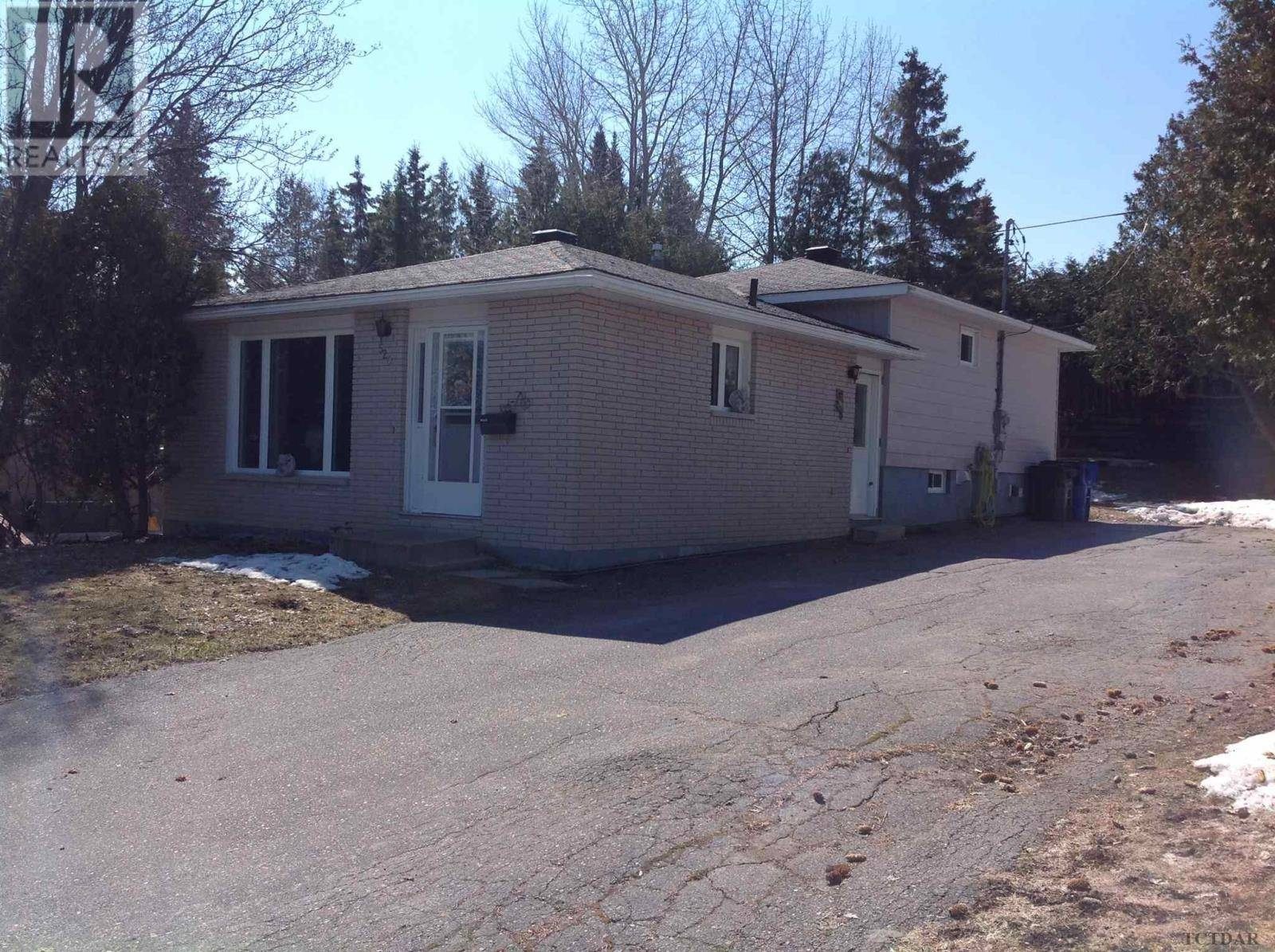 House for sale at 520 Agnes St Temiskaming Shores Ontario - MLS: TM200635