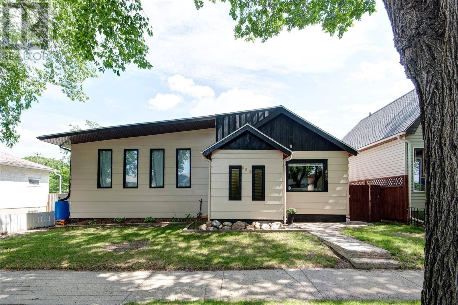 House for sale at 520 J Ave N Saskatoon Saskatchewan - MLS: SK787929