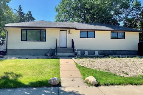 House for sale at 5201 1st Ave Regina Saskatchewan - MLS: SK784437