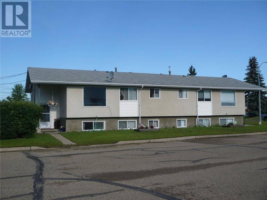 Townhouse for sale at 5201 60 Ave Ponoka Alberta - MLS: ca0174358