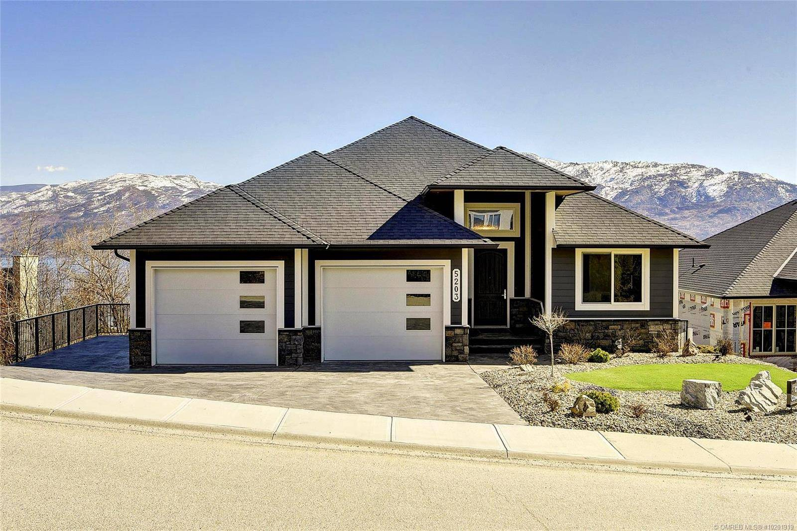 5203 Clarence Road, Peachland | Image 1