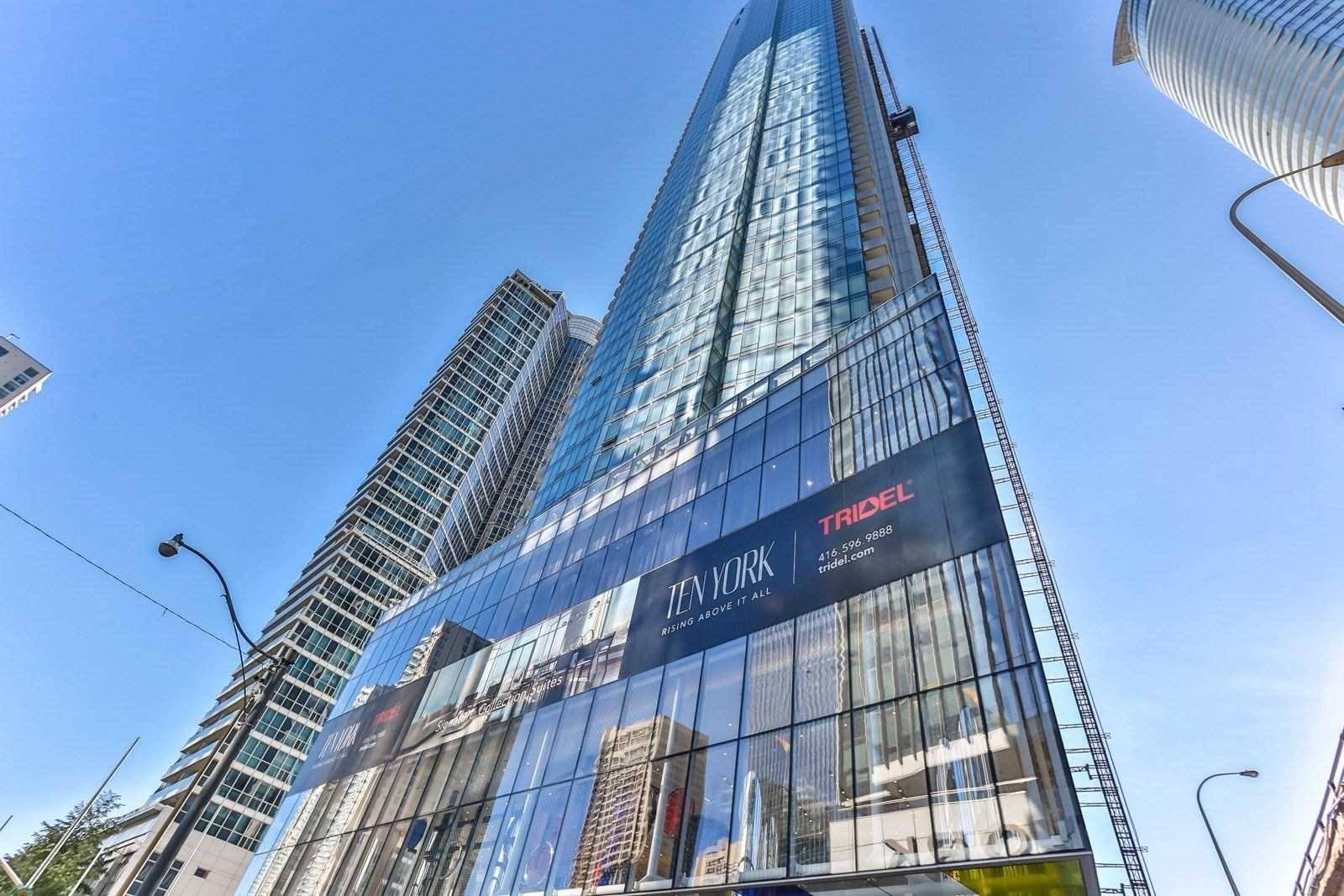 Apartment for rent at 10 York St Unit 5207 Toronto Ontario - MLS: C4556069