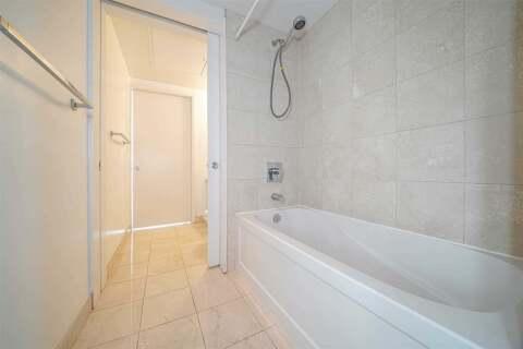 Apartment for rent at 12 York St Unit 5207 Toronto Ontario - MLS: C4924383