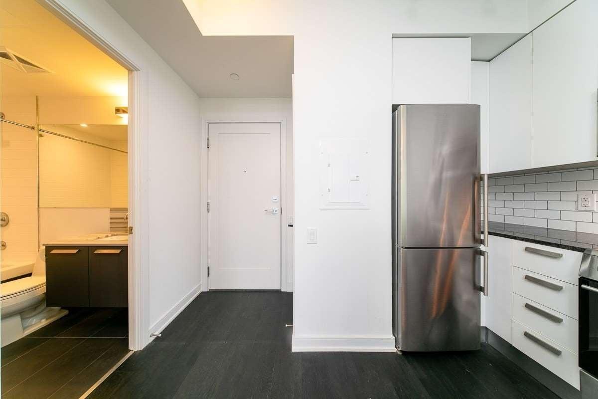 Apartment for rent at 57 St Joseph St Unit 521 Toronto Ontario - MLS: C4861882