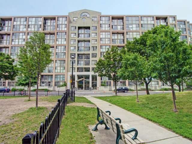 St Lawrence On The Park Condos: 65 Scadding Avenue, Toronto, ON