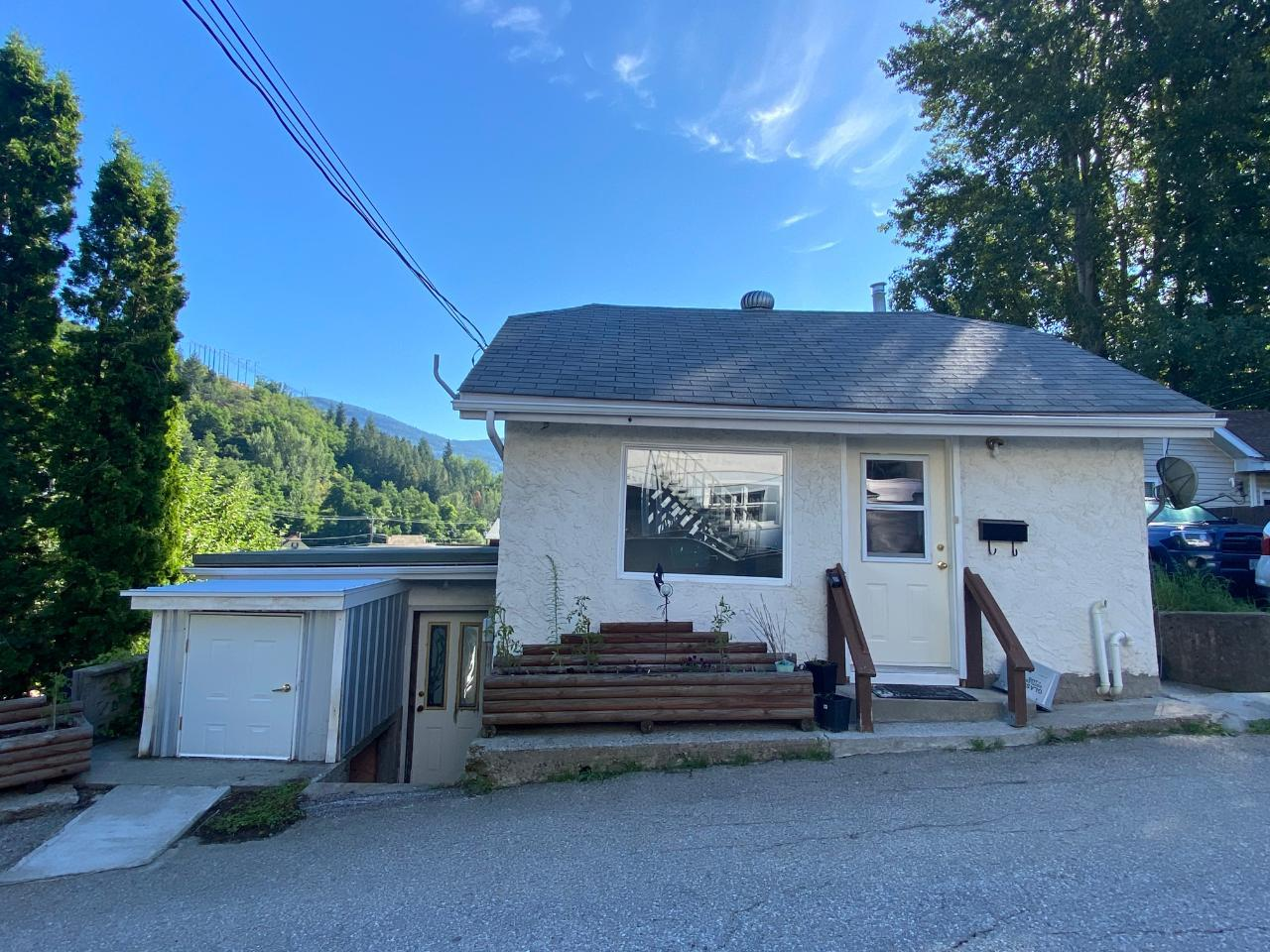 Removed: 521 Turner Street, Warfield, BC - Removed on 2020-08-17 23:24:51