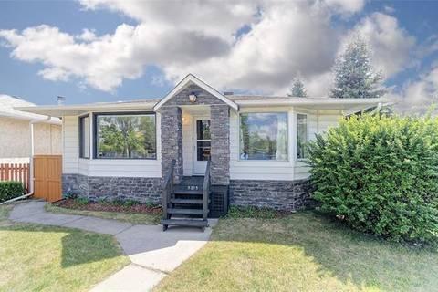 House for sale at 5215 Sheldon Pl Northwest Calgary Alberta - MLS: C4248878