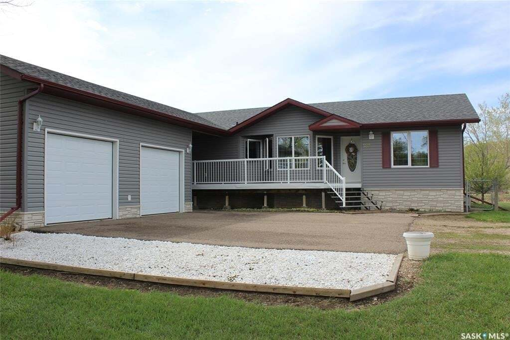 House for sale at 522 Railway St W Eastend Saskatchewan - MLS: SK810278