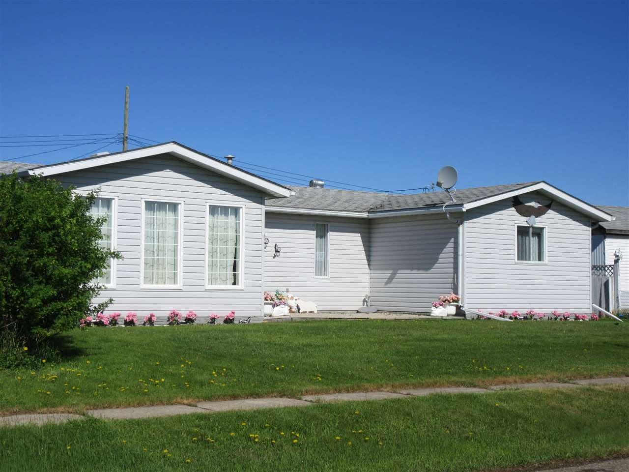 5220 52 street clyde for sale 220 000 for Wheelchair accessible homes for sale near me