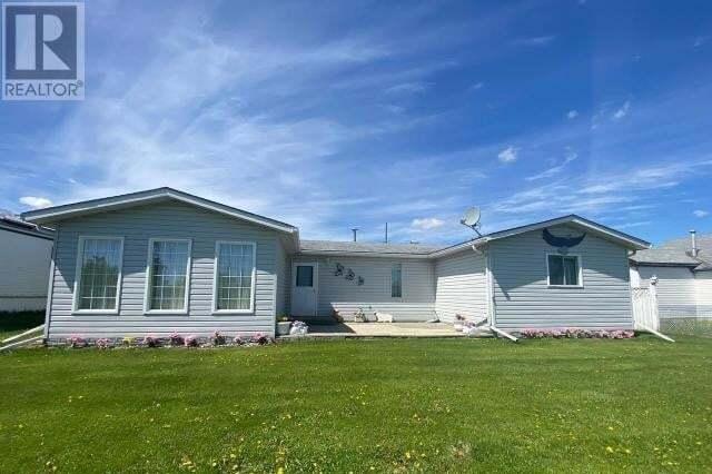 House for sale at 5220 52 St Westlock Alberta - MLS: 52612
