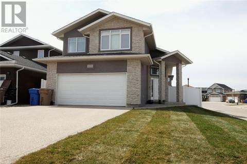 House for sale at 5221 Tutor Wy Regina Saskatchewan - MLS: SK800442