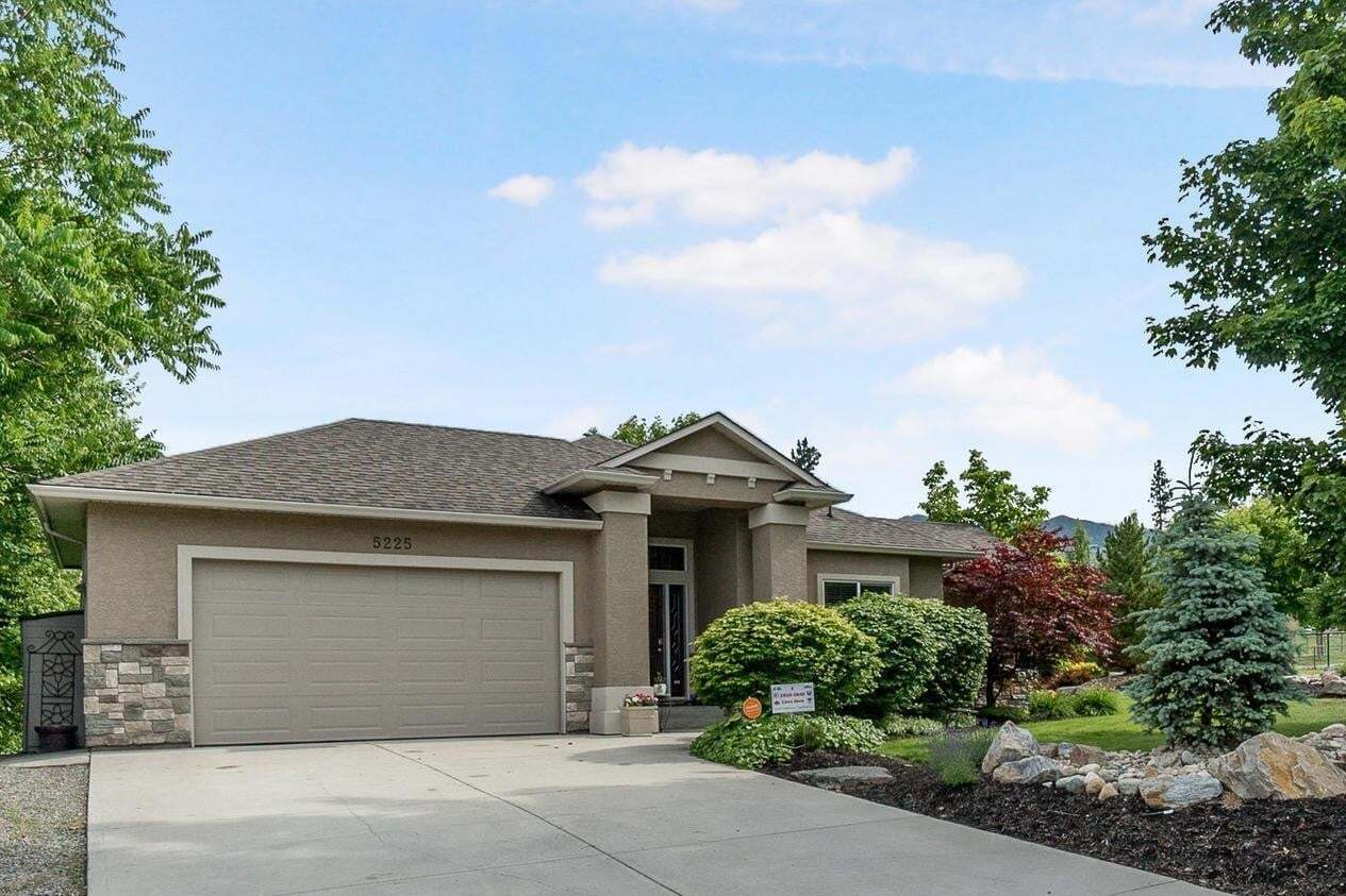 House for sale at 5225 Lark St Kelowna British Columbia - MLS: 10209805