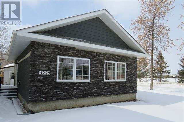 House for sale at 5228 43 St Camrose Alberta - MLS: ca0190876