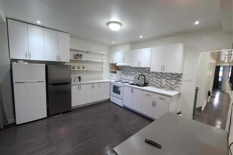 Townhouse for rent at 524 Crawford St Toronto Ontario - MLS: C4961977