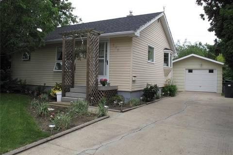 House for sale at 524 Elizabeth St Weyburn Saskatchewan - MLS: SK801331