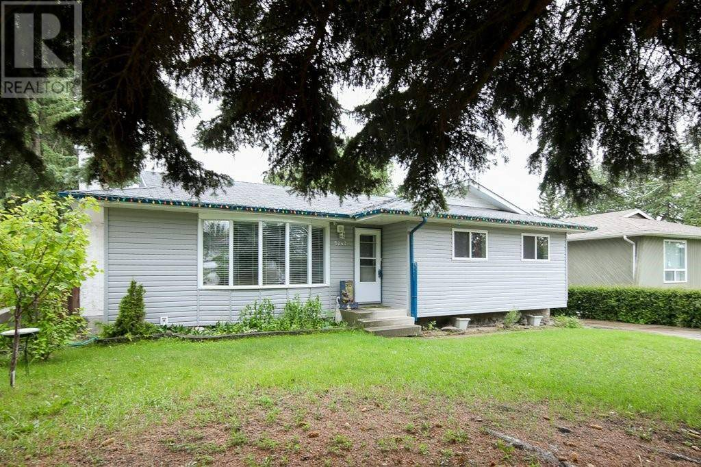 House for sale at 5247 37 St Innisfail Alberta - MLS: ca0171440