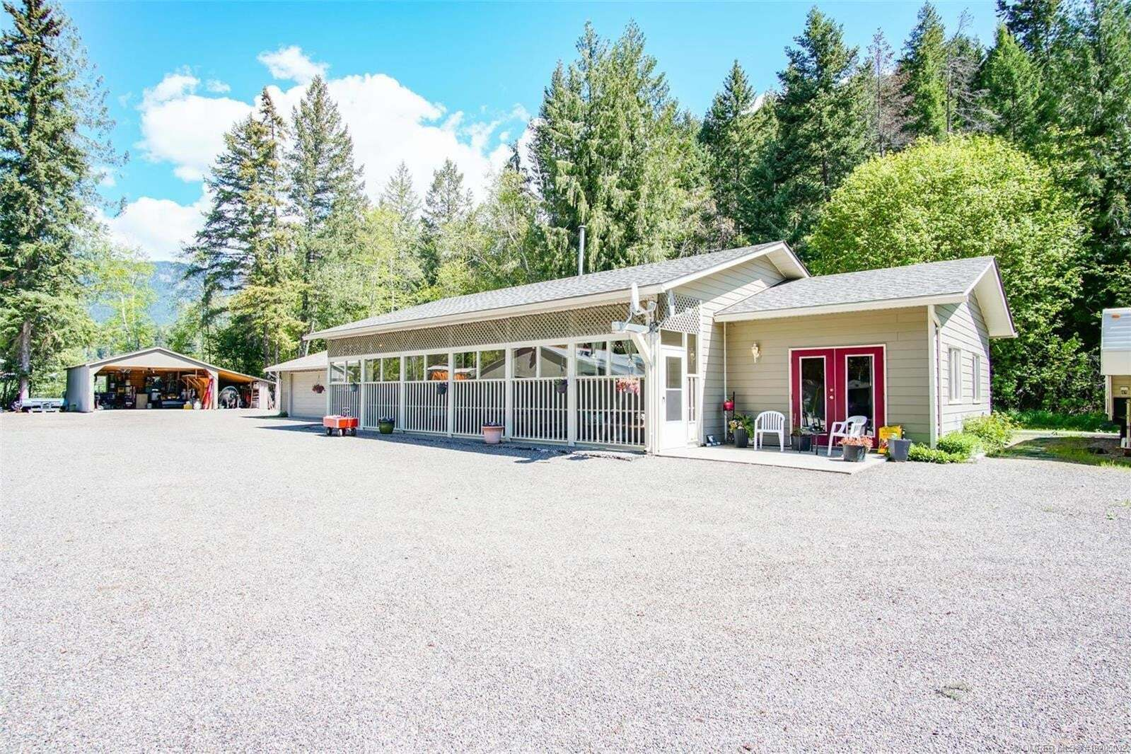 House for sale at 5252 97 Hy Falkland British Columbia - MLS: 10205032