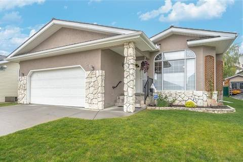 House for sale at 526 Hawkside Me Northwest Calgary Alberta - MLS: C4266378