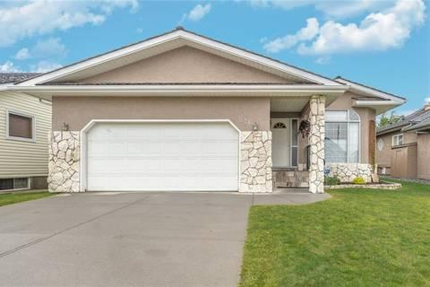 House for sale at 526 Hawkside Me Northwest Calgary Alberta - MLS: C4292753
