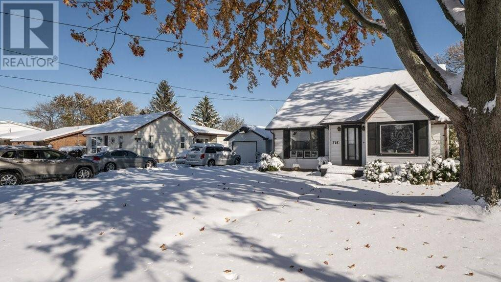 House for sale at 526 St. Pierre  Tecumseh Ontario - MLS: 19028554