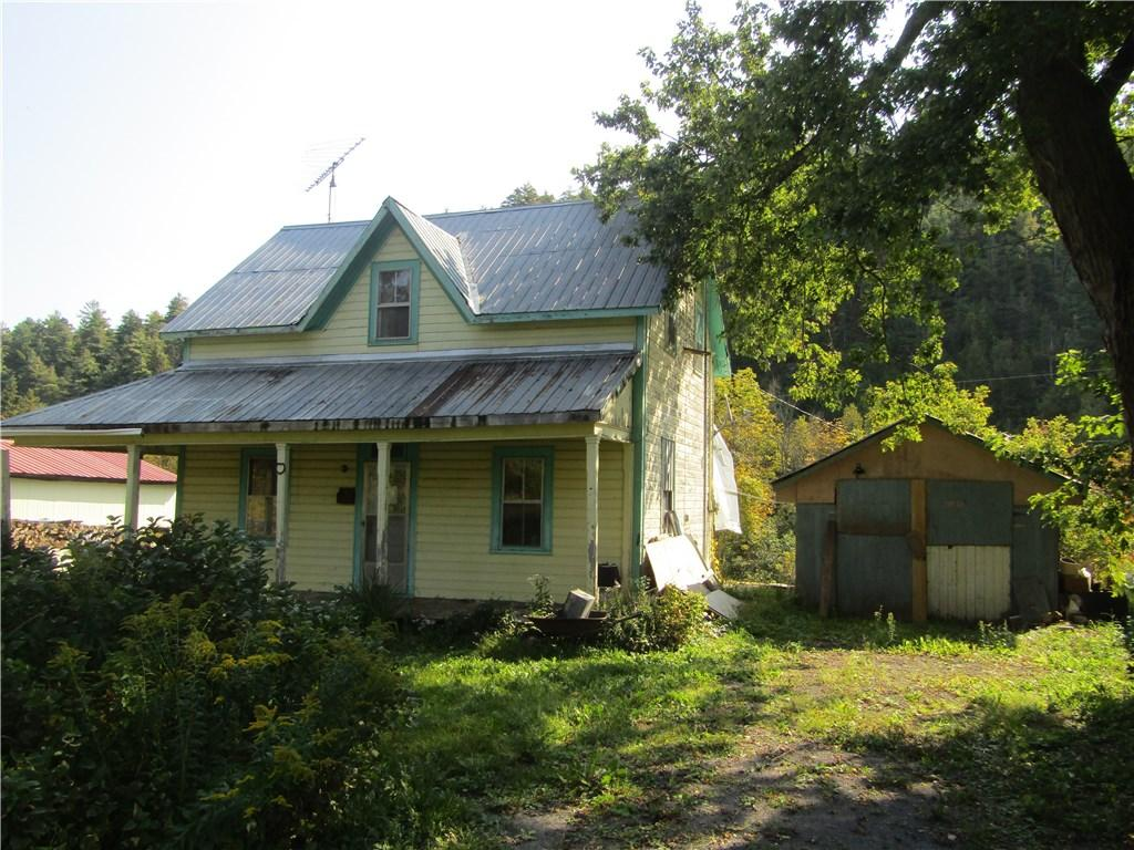 For Sale: 5265 South Lavant Road, Ompah, ON   3 Bed, 1 Bath House for $39,900. See 8 photos!