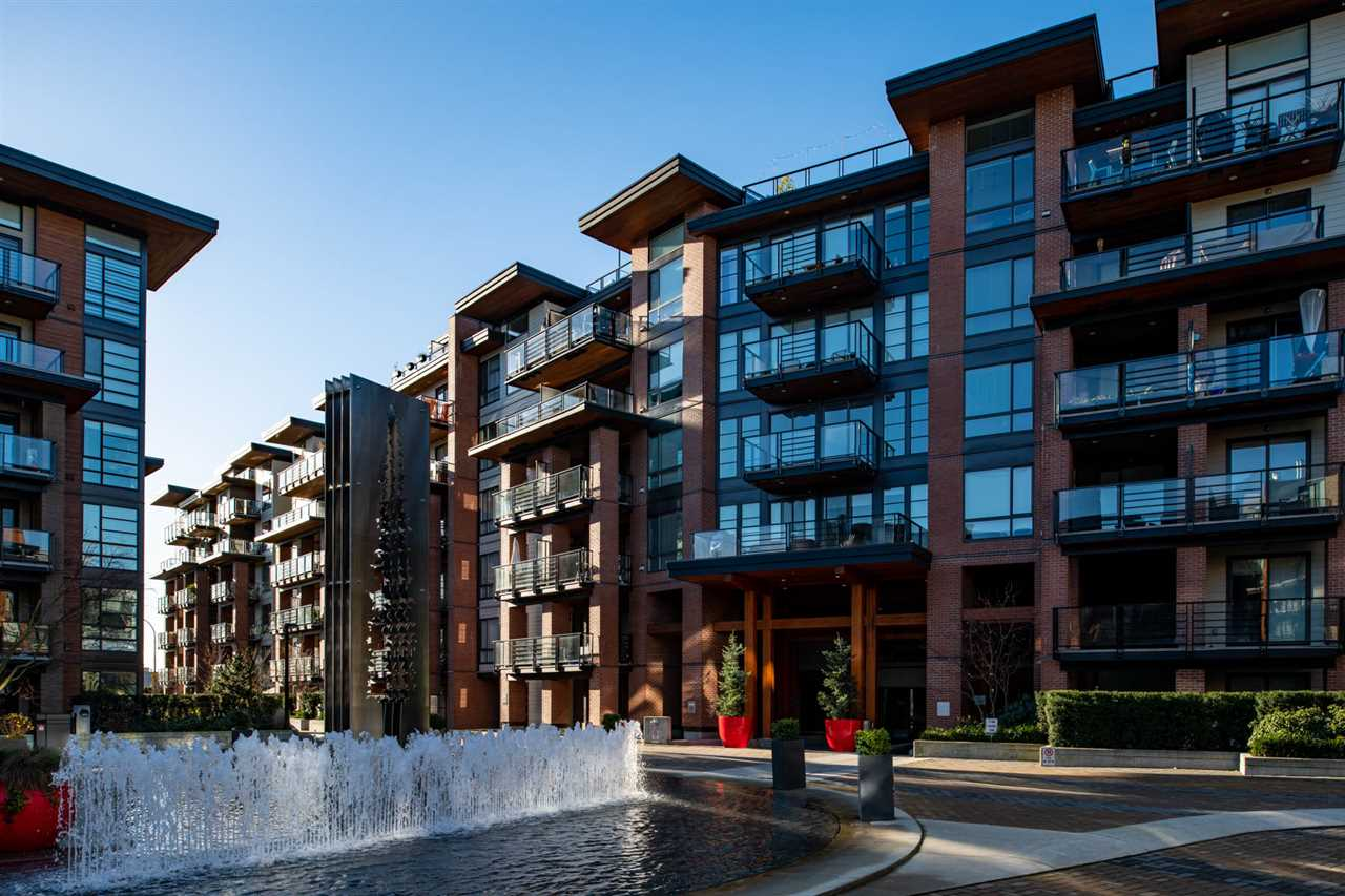 Buliding: 723 West 3rd Street, North Vancouver, BC