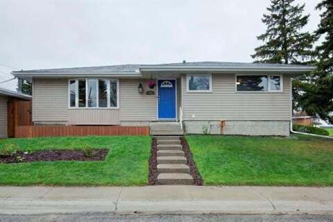 House for sale at 527 Murphy Pl Northeast Calgary Alberta - MLS: C4297429