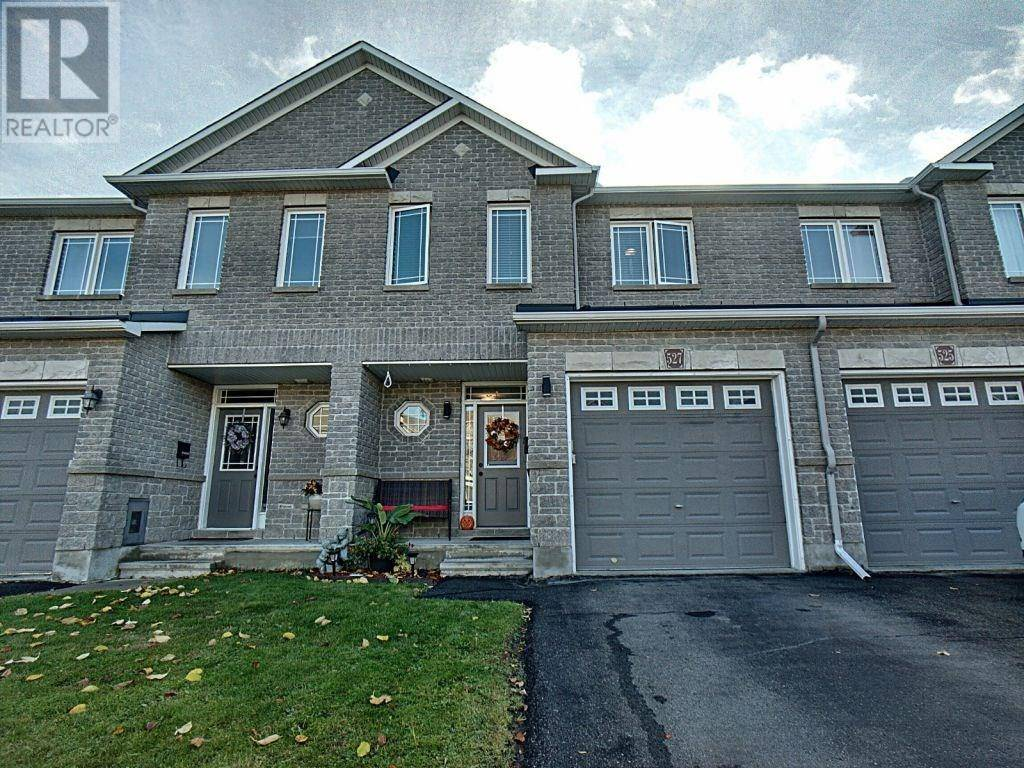 Townhouse for sale at 527 Pepperville Cres Kanata Ontario - MLS: 1174171