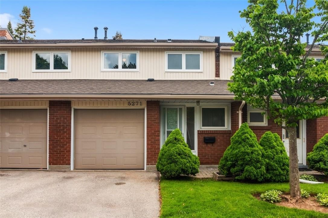 Townhouse for rent at 5271 Banting Ct Burlington Ontario - MLS: H4078891