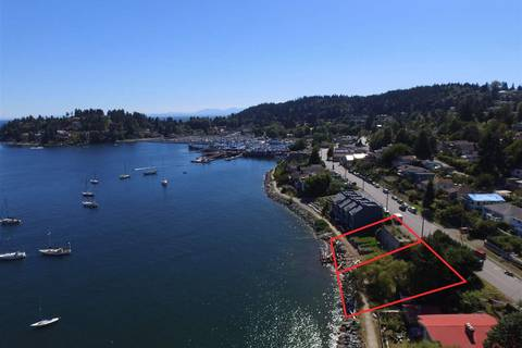 Home for sale at 528 Marine Dr Gibsons British Columbia - MLS: R2423534
