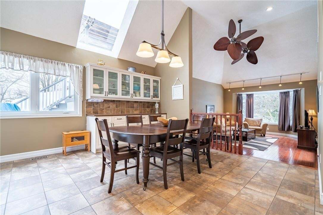 529 Campbellville Road, Campbellville | Image 2