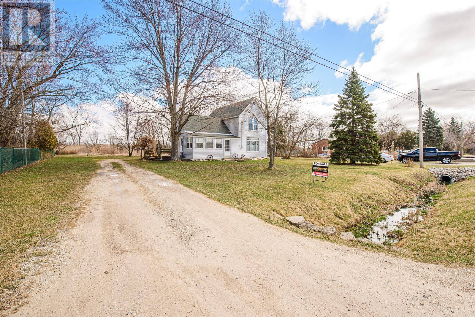 House for sale at 5290 Huron Church Line Rd Lasalle Ontario - MLS: 20003576