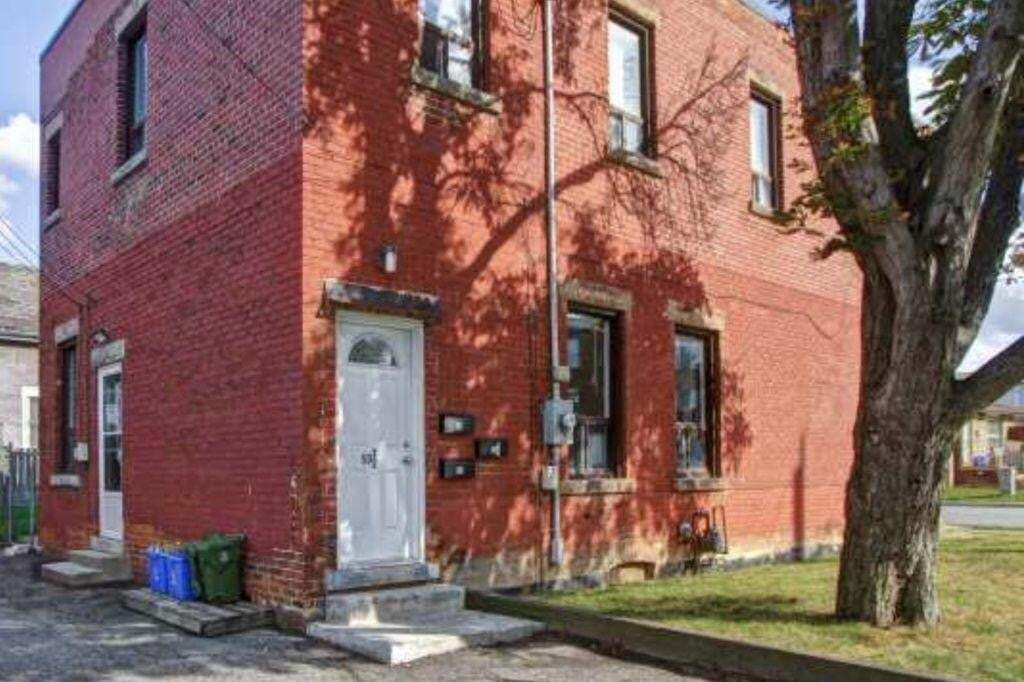 Townhouse for sale at 53 /2 Princess St Hamilton Ontario - MLS: H4078956