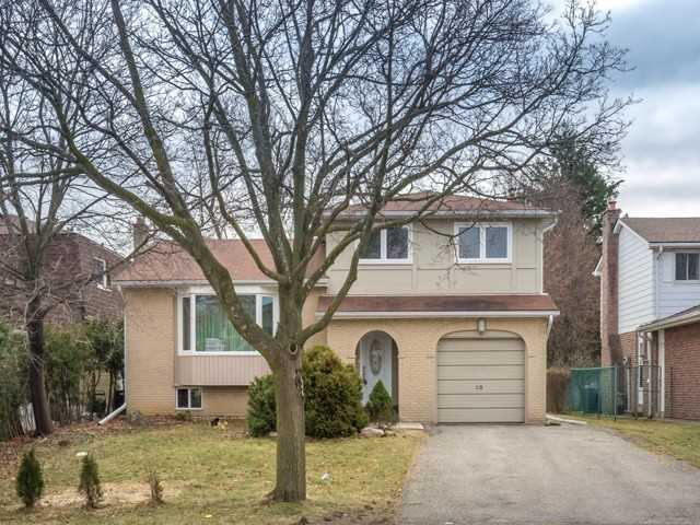 For Rent: 53 Castle Harbour Lane, Markham, ON   3 Bed, 4 Bath House for $2,600. See 1 photos!