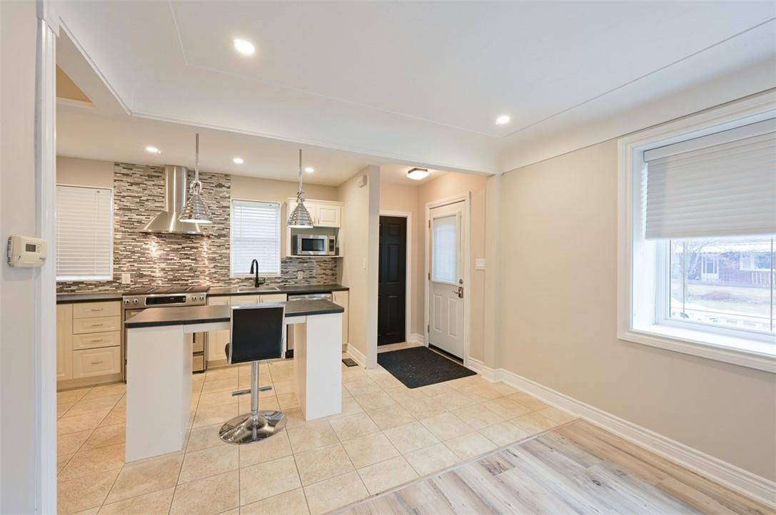 House for sale at 53 35th St East Hamilton Ontario - MLS: H4070355