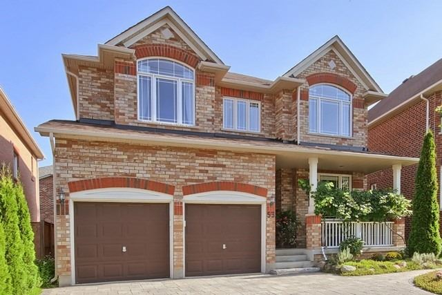 For Sale: 53 Fouracre Way, Aurora, ON | 4 Bed, 4 Bath House for $1,288,000. See 20 photos!
