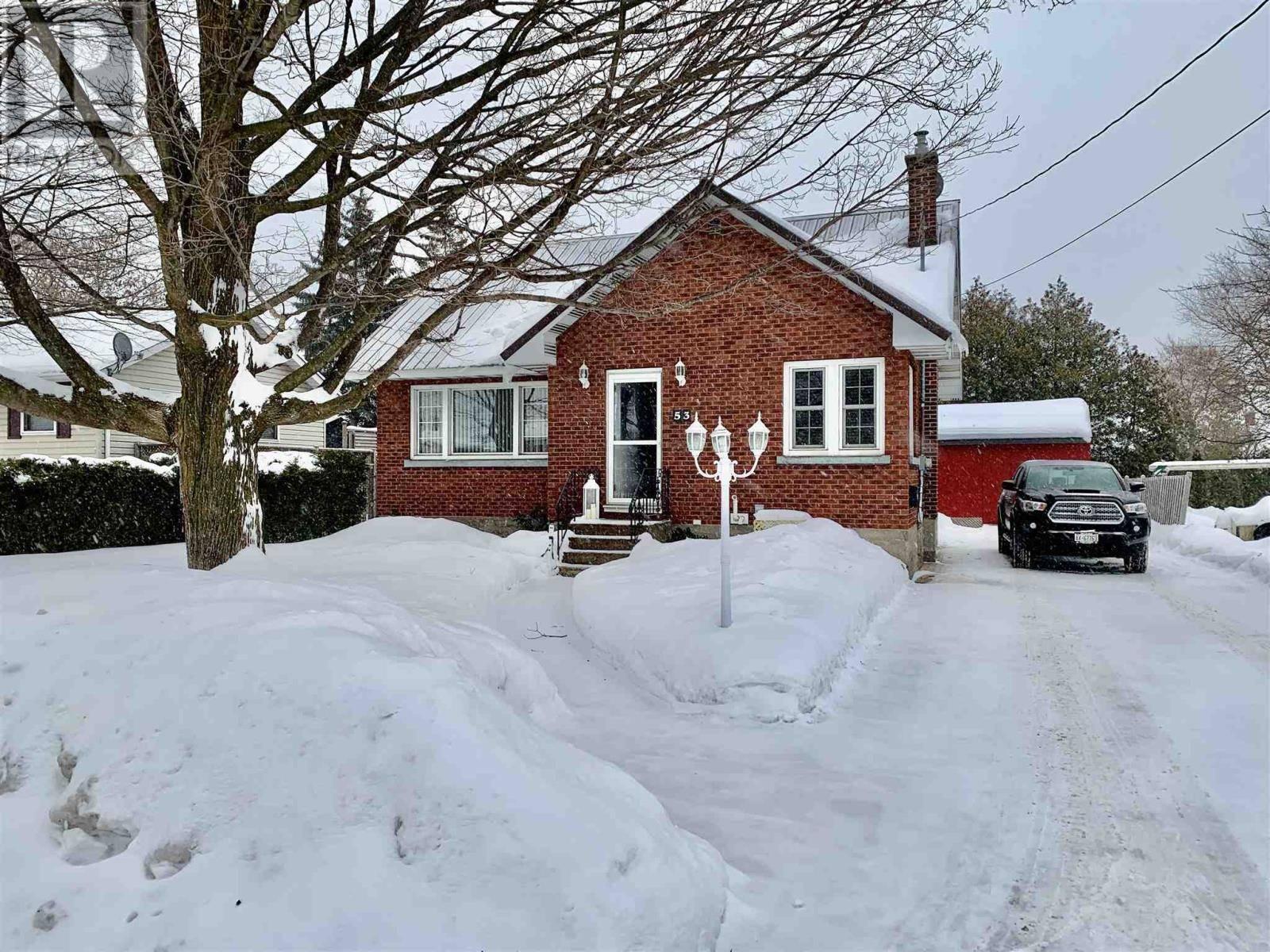 53 Hocking Avenue, Sault Ste. Marie   Image 1