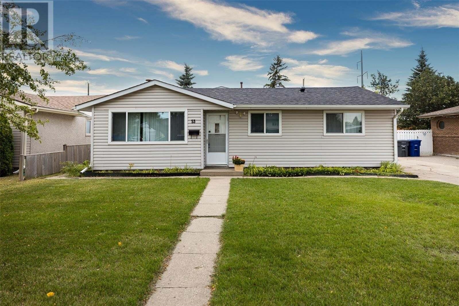 House for sale at 53 Howell Ave Saskatoon Saskatchewan - MLS: SK825839