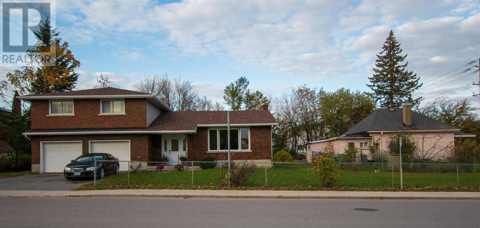 Home for sale at 53 Kirkpatrick St Kingston Ontario - MLS: K19006954