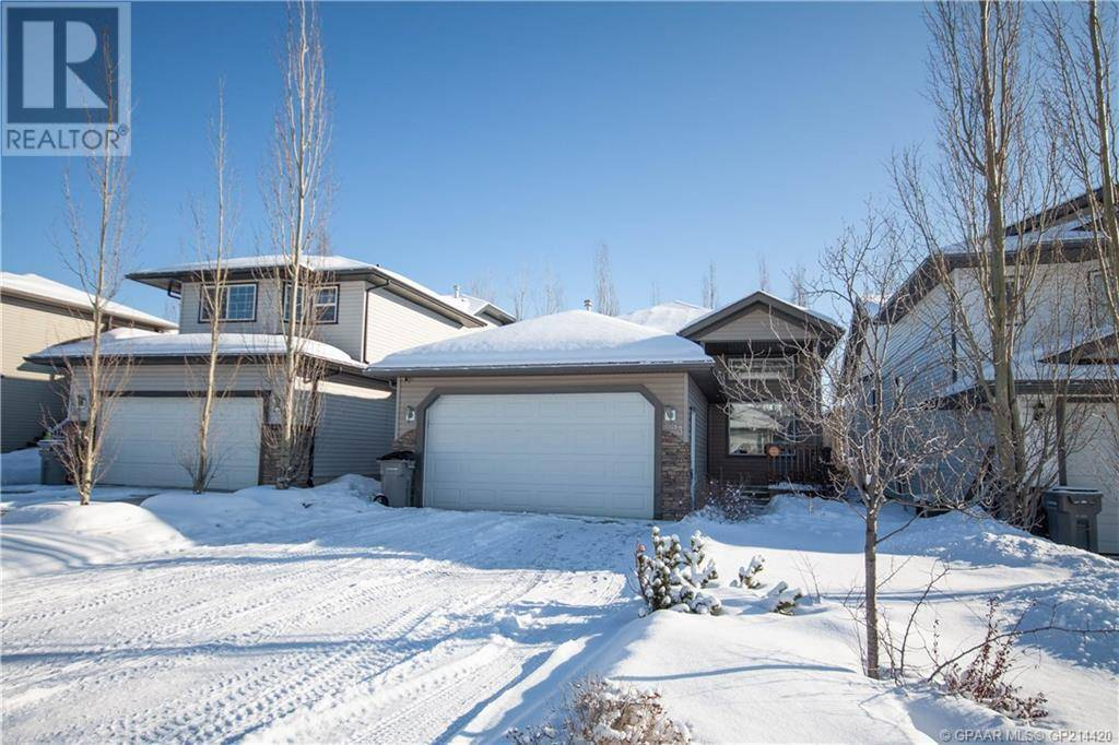 House for sale at 53 Pinnacle Rd Grande Prairie Alberta - MLS: GP214420
