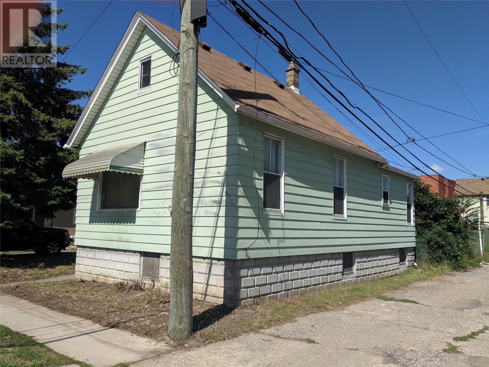 Removed: 530 Elliott East, Windsor, ON - Removed on 2019-09-10 06:00:22