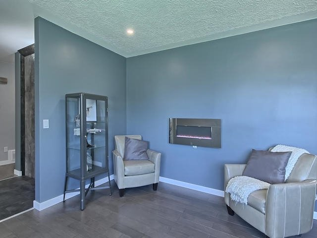 For Rent: 5303 102a Avenue, Edmonton, AB | 5 Bed, 2 Bath House for $518,800. See 29 photos!