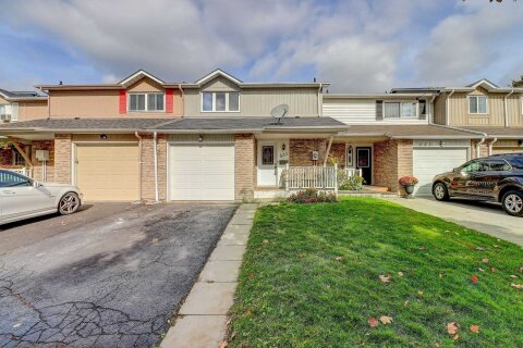 Townhouse for sale at 531 Dorchester Dr Oshawa Ontario - MLS: E4963055